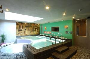 Hotel Isolabella - piscina idromassaggio
