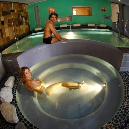 Hotel Isolabella - piscina idromassaggio relax