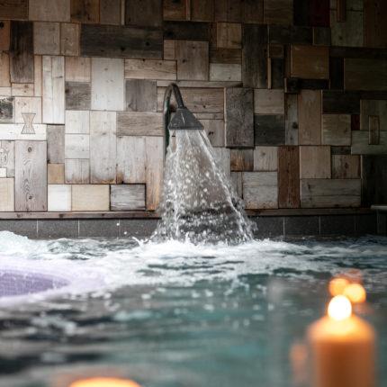 Vasca idromassaggio al centro benessere IsolaWellness - Hotel Isolabella - Primiero - Trentino