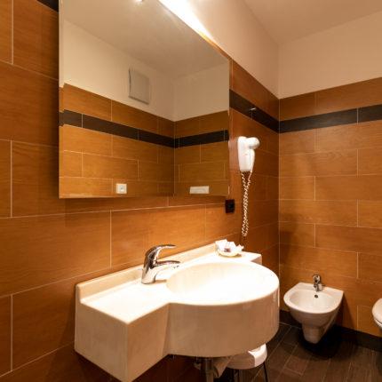 Bagno stanza singola comfort - Hotel Isolabella Primiero - Trentino