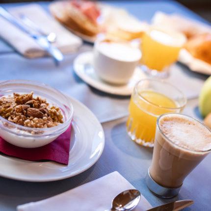 Ricca colazione a buffet all'Hotel Isolabella di Fiera di Primiero in Trentino
