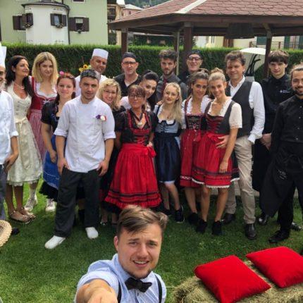 staff al completo - Hotel Isolabella Primiero - Trentino