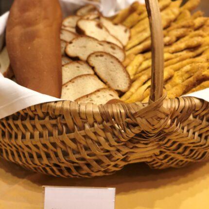 pane e grissini fatti in casa