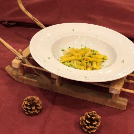 pasta con zucchine julienne